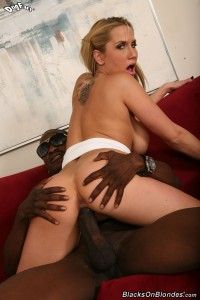 blacks-on-blondes-alanah-rae-busty-blonde-loves-interracial (19)