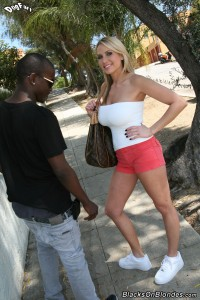 blacks-on-blondes-alanah-rae-busty-blonde-loves-interracial (4)