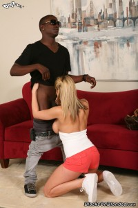 blacks-on-blondes-alanah-rae-busty-blonde-loves-interracial (8)