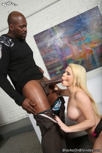 blacks-on-blondes-alexis-ford-interracial-fucking-busty-blonde (11)