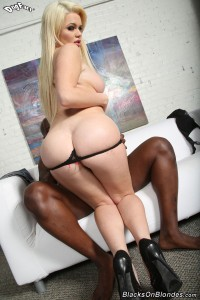 blacks-on-blondes-alexis-ford-interracial-fucking-busty-blonde (17)