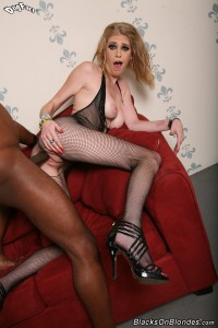 blacks-on-blondes-allie-james-assfucked-through-fishnet (14)