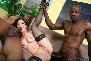 blacks-on-blondes-ally-style-interracial-big-dick-dp-fuck (21)