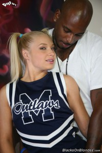 blacks-on-blondes-alyssa-branch-interracial-fucking-sexy-cheerleader (4)