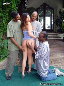 blacks-on-blondes-ashley-blue-interracial-gangbang (2)