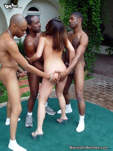 blacks-on-blondes-ashley-blue-interracial-gangbang (6)