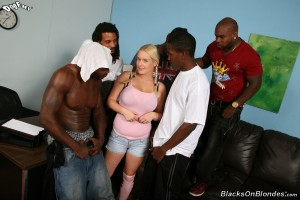 blacks-on-blondes-cindee-interracial-gangbang-with-big-natural-teen (1)