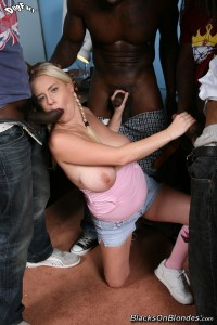 blacks-on-blondes-cindee-interracial-gangbang-with-big-natural-teen (11)