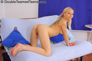double-teamed-teens-flick-both-holes-on-charming-blonde-fucked-hard (14)