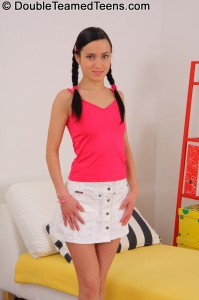 double-teamed-teens-khloe-very-petite-teen-double-penetration (1)