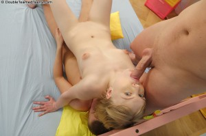 double-teamed-teens-lanny-both-holes-plugged-on-blonde (22)