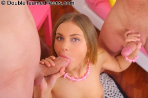 double-teamed-teens-rose-dp-fuck-with-perfect-body-teen (11)