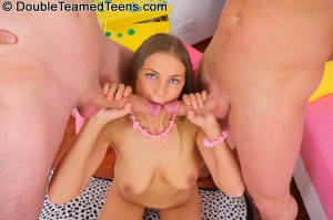 double-teamed-teens-rose-dp-fuck-with-perfect-body-teen (12)