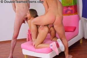 double-teamed-teens-rose-dp-fuck-with-perfect-body-teen (13)