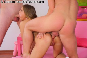 double-teamed-teens-rose-dp-fuck-with-perfect-body-teen (14)