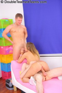 double-teamed-teens-rose-dp-fuck-with-perfect-body-teen (16)