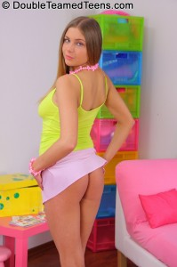 double-teamed-teens-rose-dp-fuck-with-perfect-body-teen (4)