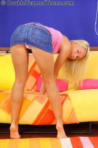 double-teamed-teens-temptation-dp-stretches-out-petite-blonde (10)