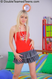 double-teamed-teens-virginee-little-blonde-double-penetrated (2)