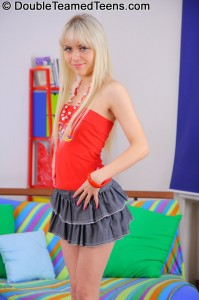 double-teamed-teens-virginee-little-blonde-double-penetrated (3)