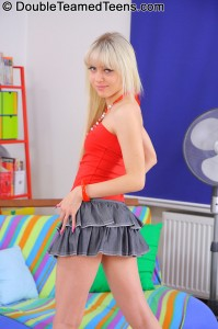 double-teamed-teens-virginee-little-blonde-double-penetrated (4)