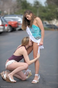 ftvgirls-Anna- Amber-kissing-and-pussy-licking-in-parking-lot (23)