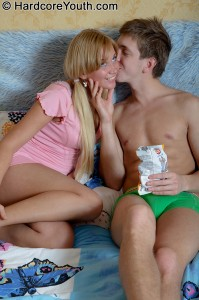 hardcore-youth-lindsey-pretty-face-blonde-anal-creampied (5)