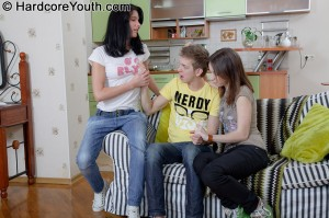 hardcore-youth-lucy-two-girls-team-up-for-threesome (8)