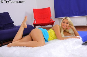 try-teens-hot-blonde-jocelyns-first-oiled-up-gangbang (3)