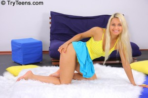 try-teens-hot-blonde-jocelyns-first-oiled-up-gangbang (4)