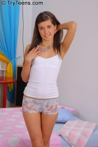 try-teens-sarah-very-tight-anal-with-petite-brunette (2)