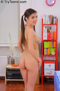 try-teens-silvia-teens-tight-ass-gets-stretched-out (7)