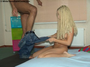 white-teens-black-cocks-destiny-interracial-anal-with-dreadlock-blonde (10)